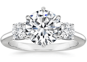cincin berlian Three stone